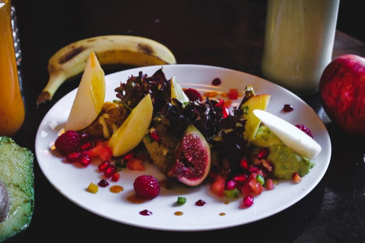 kiwi and figs salads